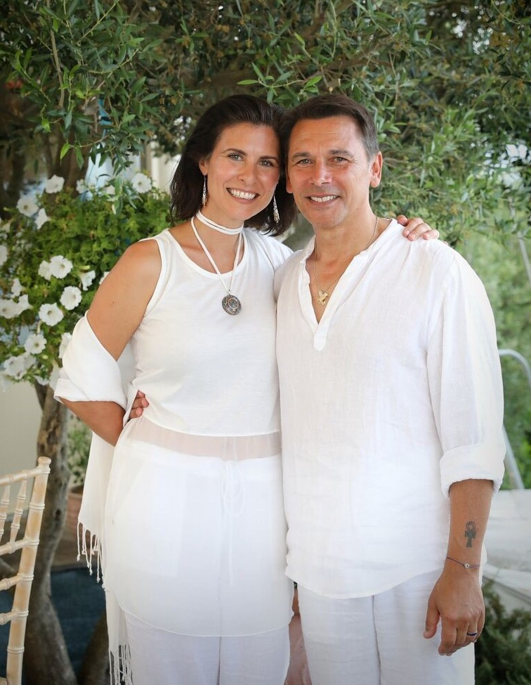 Andre and Gianna, couple wearing white